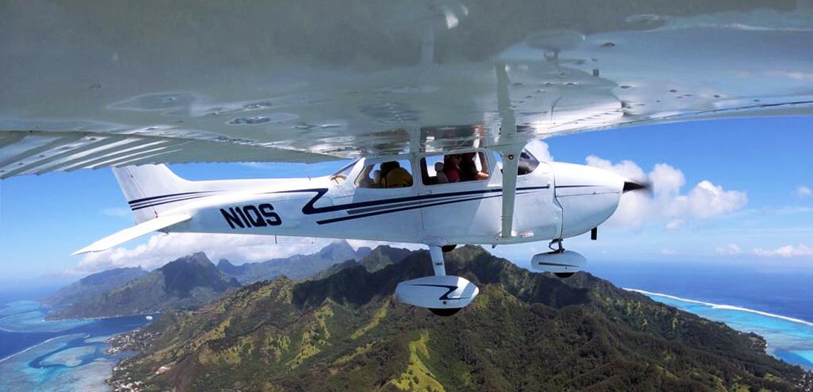 https://tahititourisme.mx/wp-content/uploads/2017/08/C3P-Cessna-above-Moorea.jpg