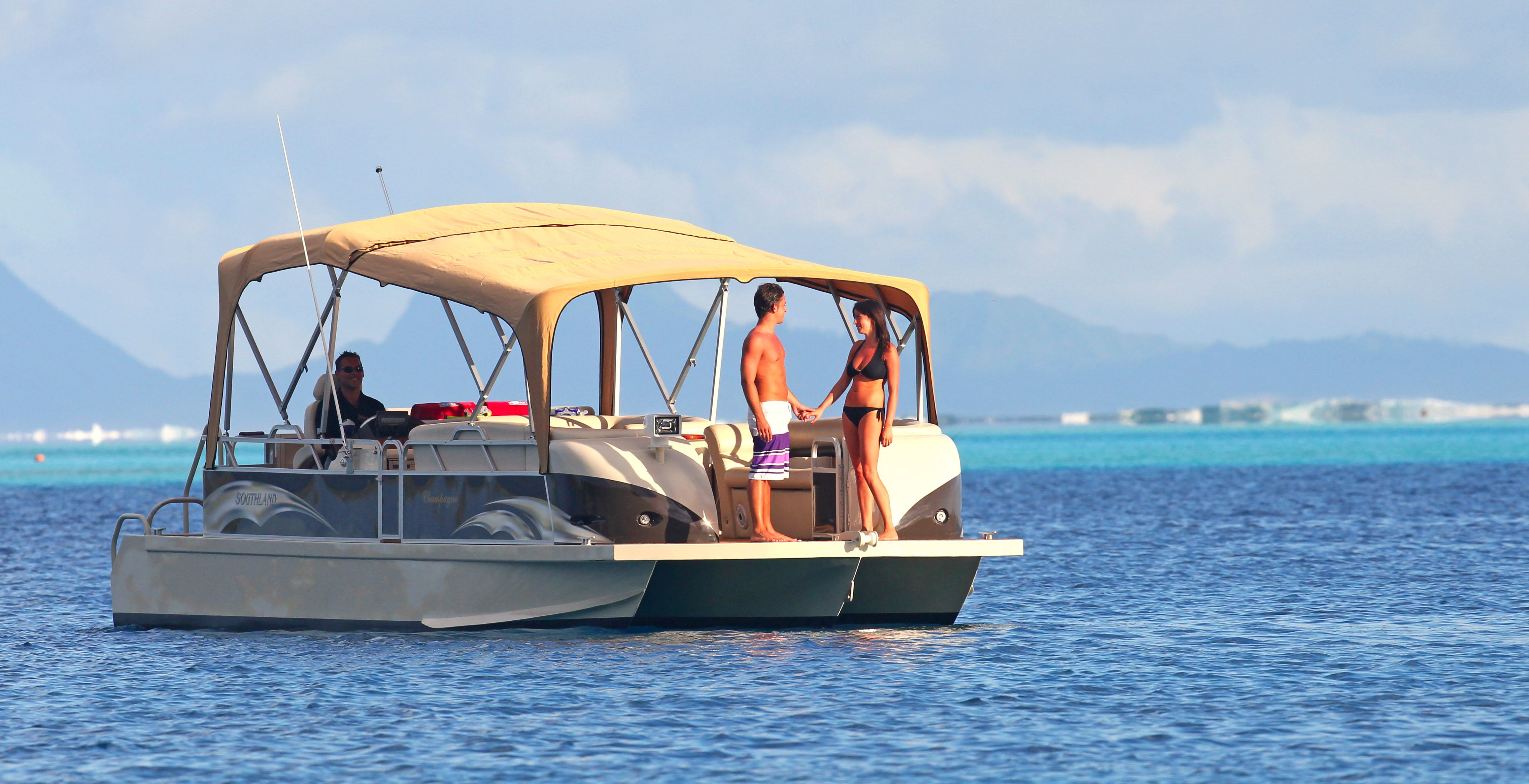 https://tahititourisme.mx/wp-content/uploads/2017/08/Champagne-Boat-2.jpg