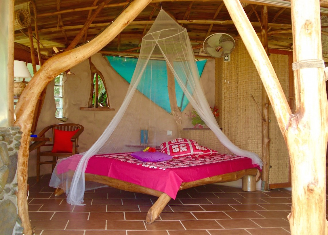 https://tahititourisme.mx/wp-content/uploads/2017/08/HEBERGEMENT-Vanira-Lodge-1.jpg