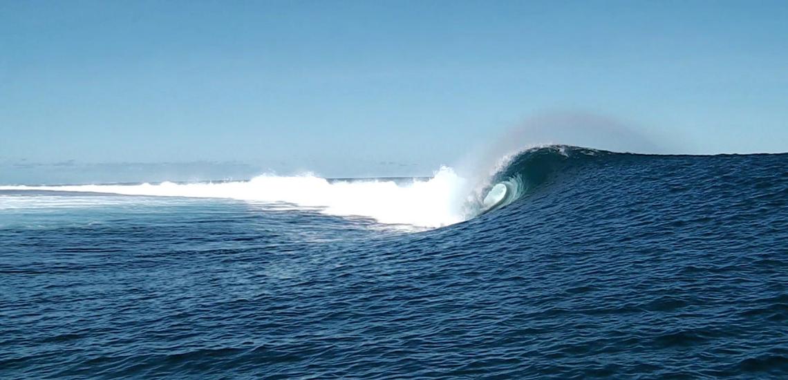 https://tahititourisme.mx/wp-content/uploads/2017/08/Tehanis-surf-cool.png