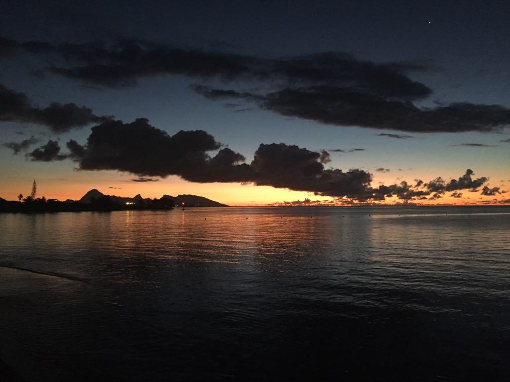 https://tahititourisme.mx/wp-content/uploads/2017/09/Mer-coucher-de-soleil.jpg