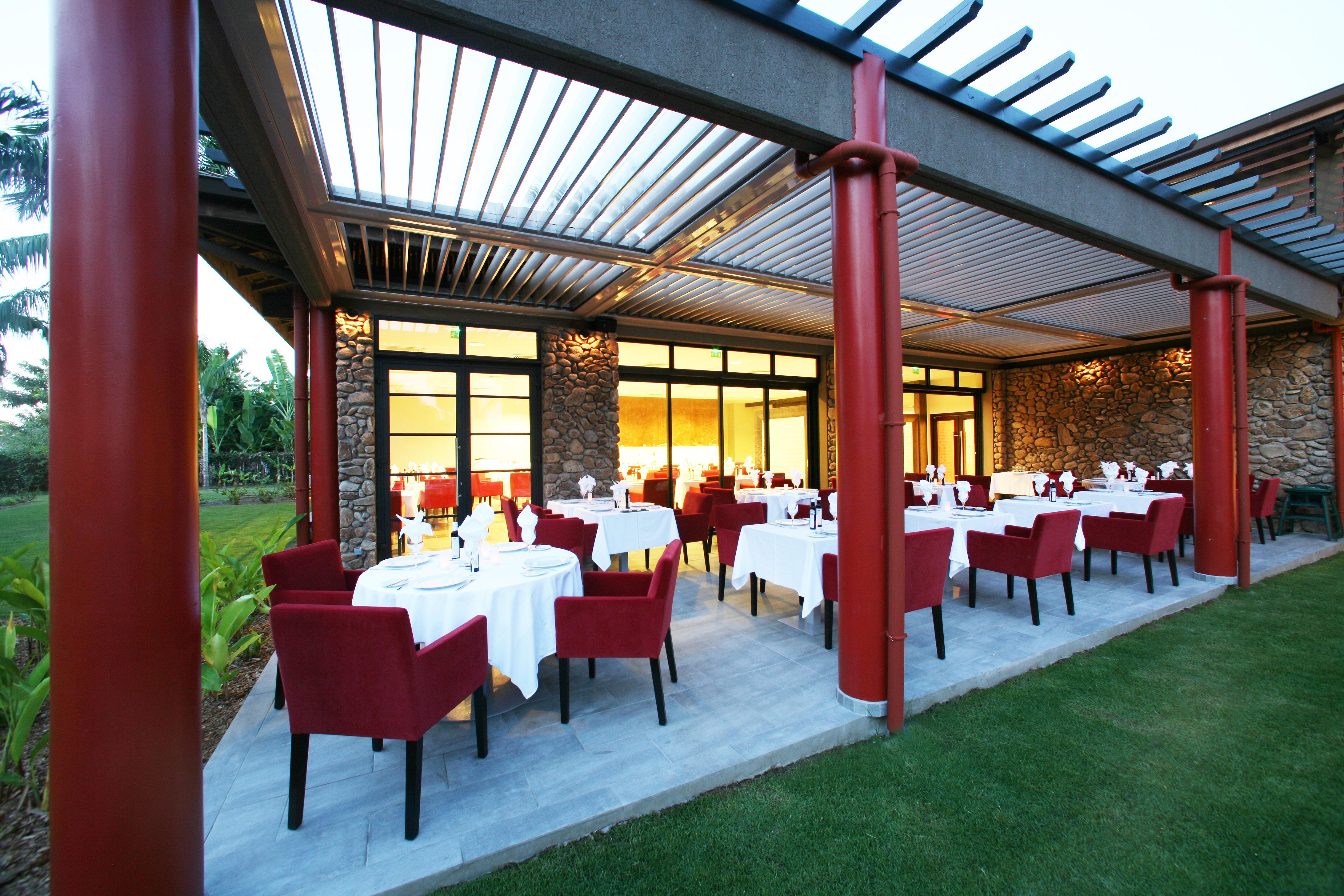 https://tahititourisme.mx/wp-content/uploads/2018/03/RESTAURATION-Vaitohi-Restaurant-1.jpg