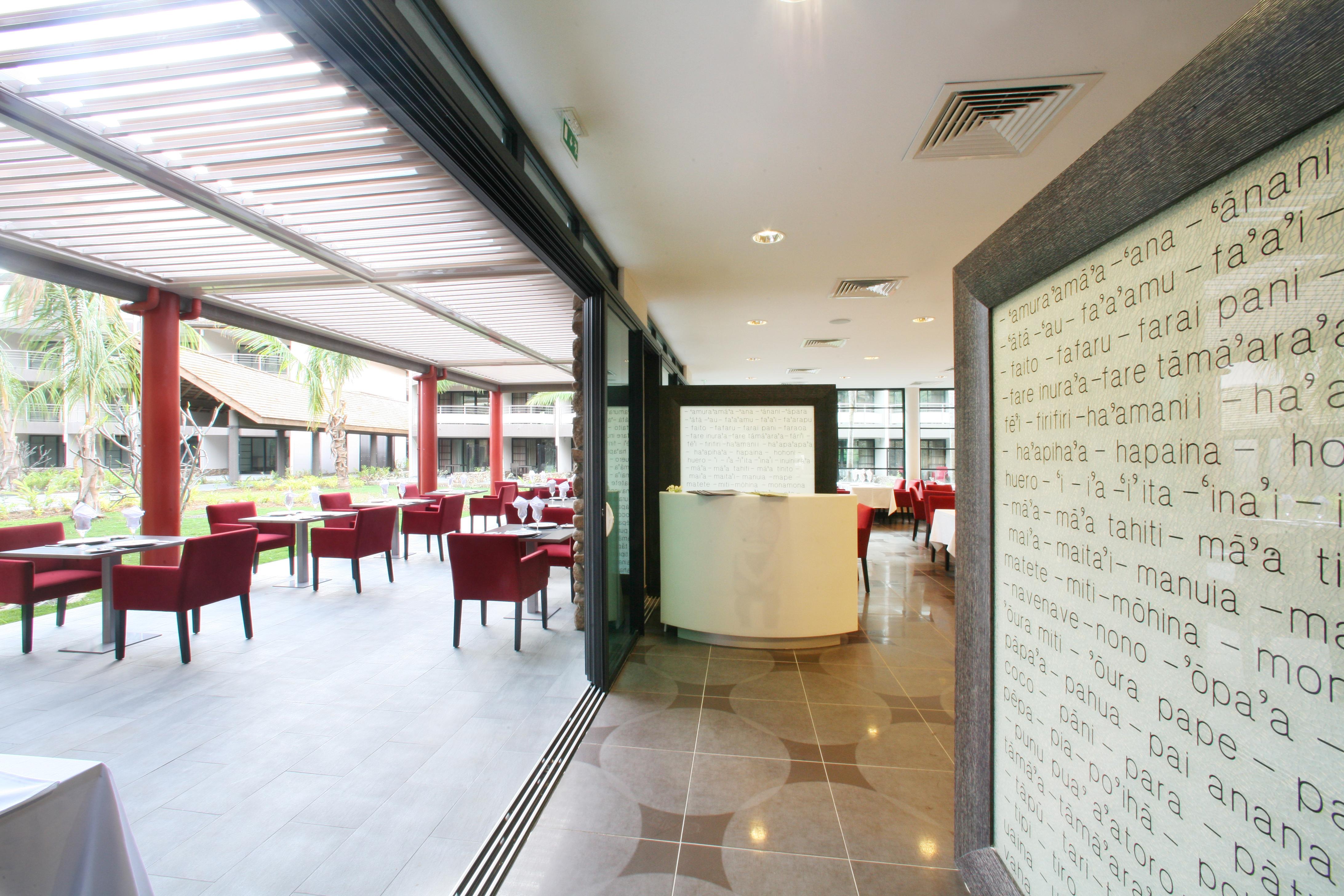 https://tahititourisme.mx/wp-content/uploads/2018/03/RESTAURATION-Vaitohi-Restaurant-3.jpg